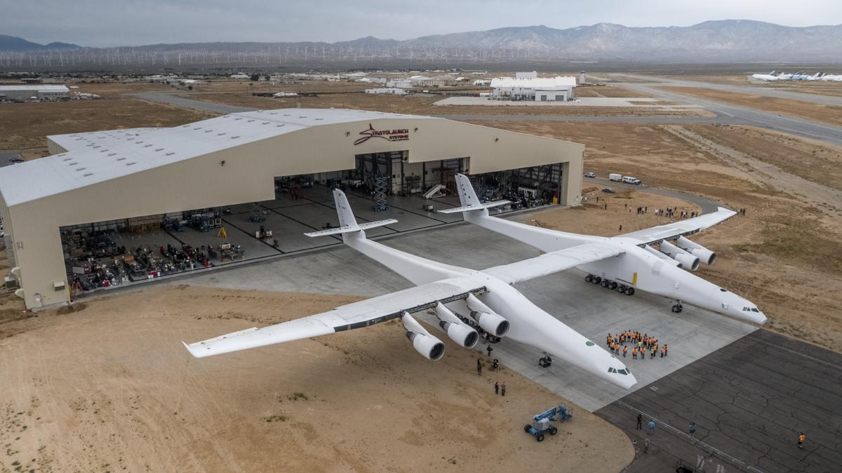 Сооснователь корпорации Microsoft Пол Аллен создал самолёт, который по своим размерам превосходит украинскую «Мрию»