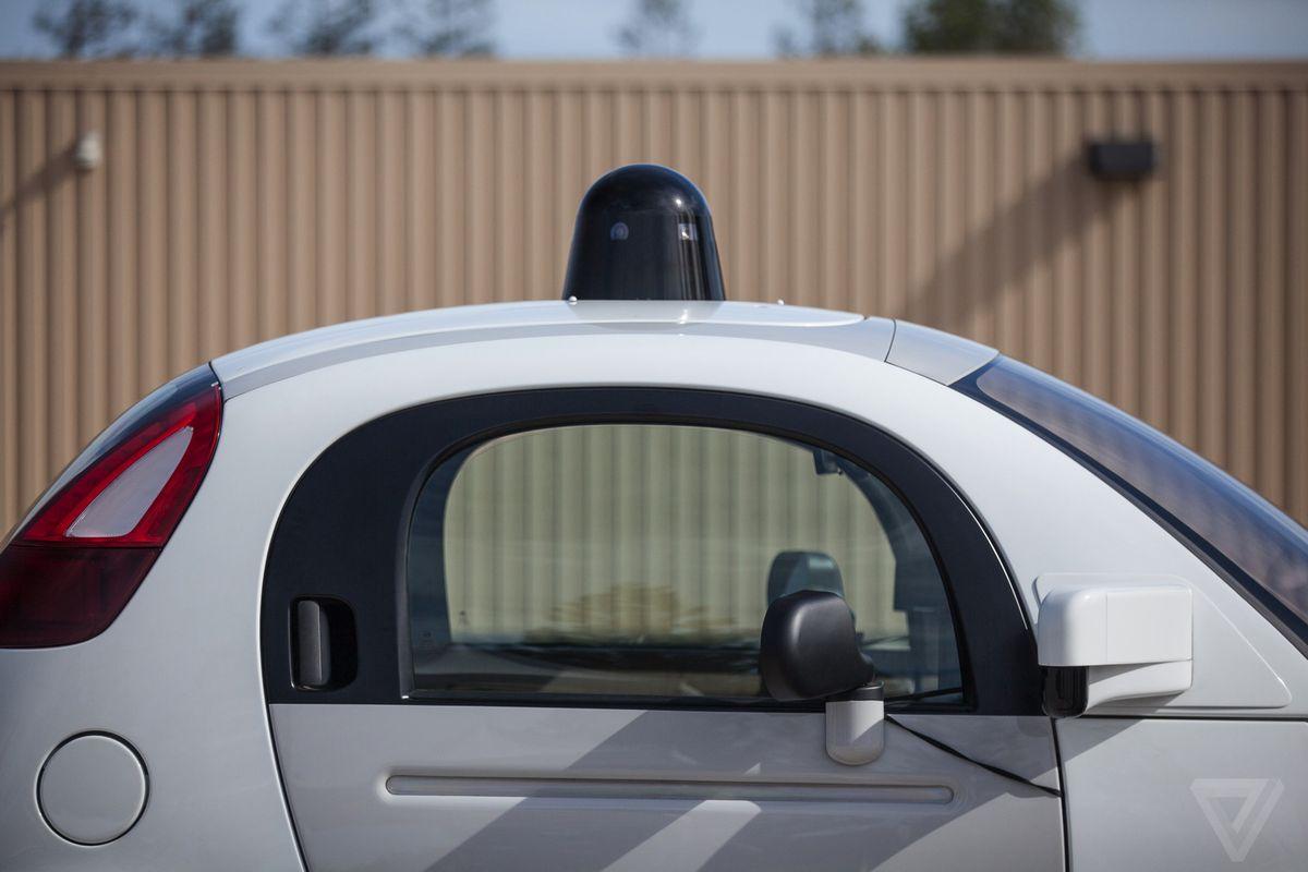Apple получила право проводить тестовые испытания беспилотных автомобилей на дорогах Калифорнии
