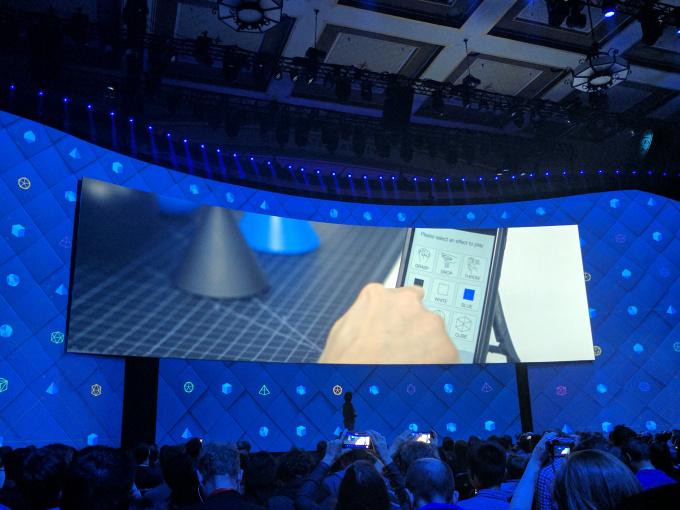 Facebook разрабатывает прямой мозговой интерфейс