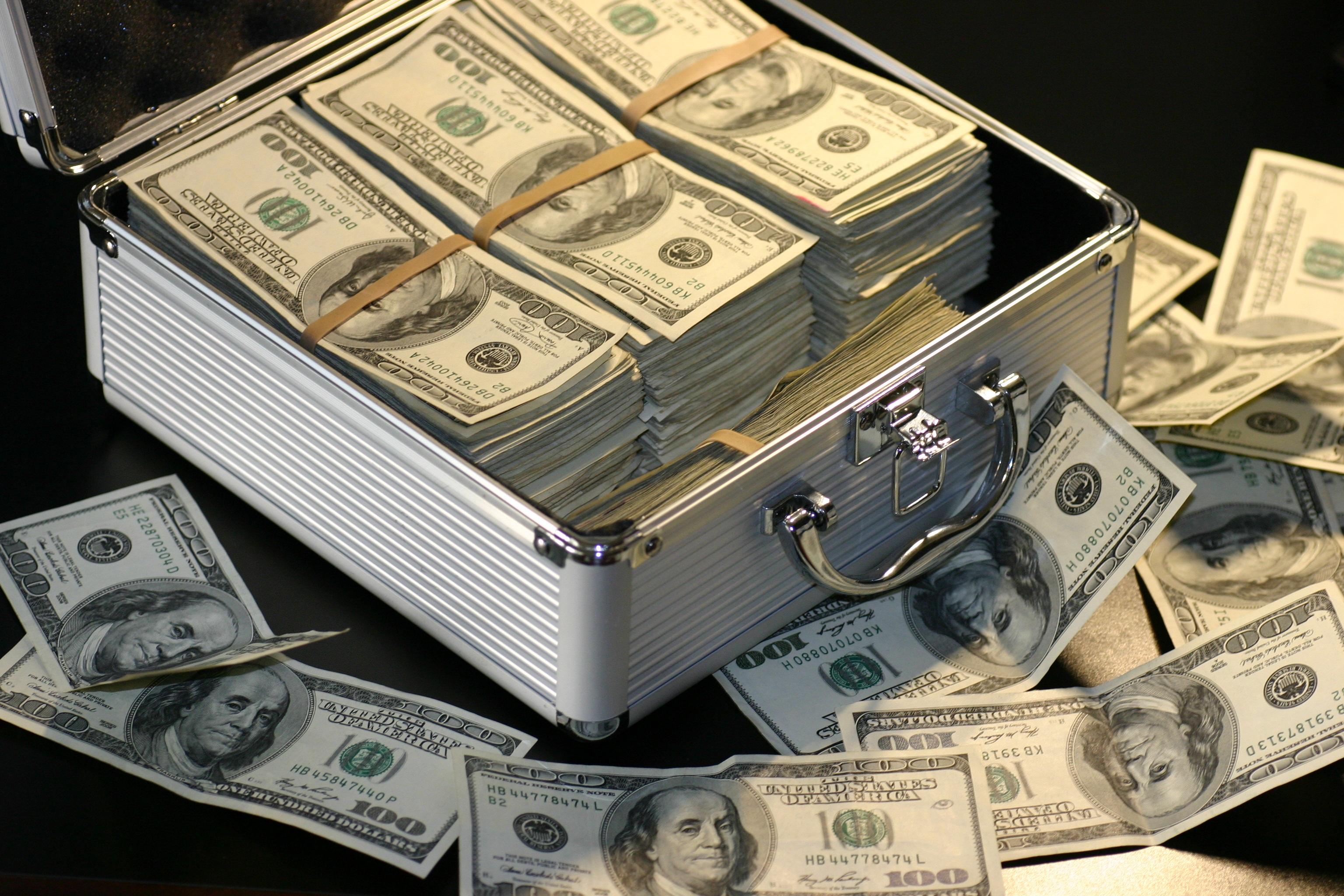 В США 1,700 человек становятся миллионерами каждый день