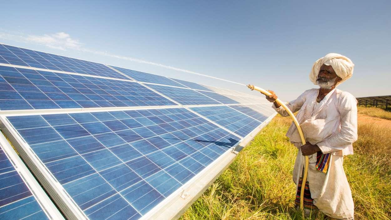 К 2027 году до 60% всей электроэнергии, производимой в Индии, будет генерироваться из неископаемых источников
