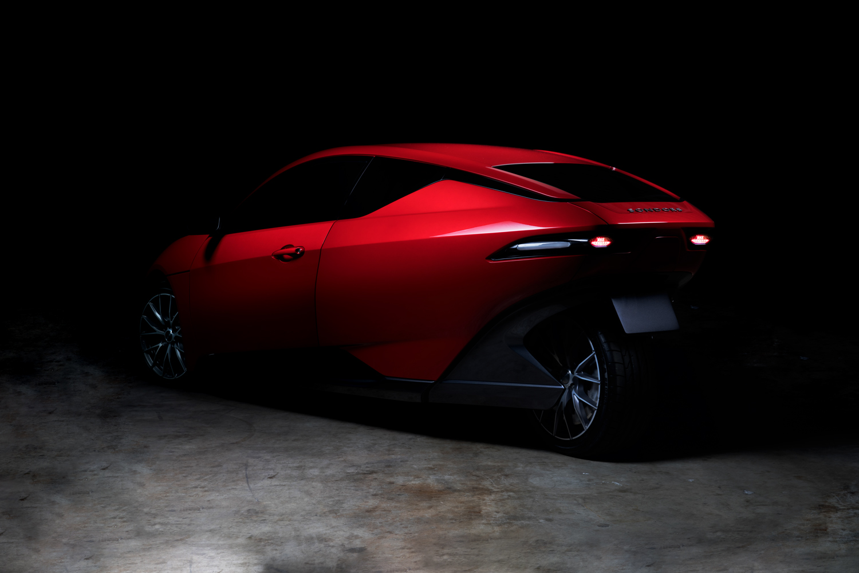 новый электромобиль за 10000 - back view