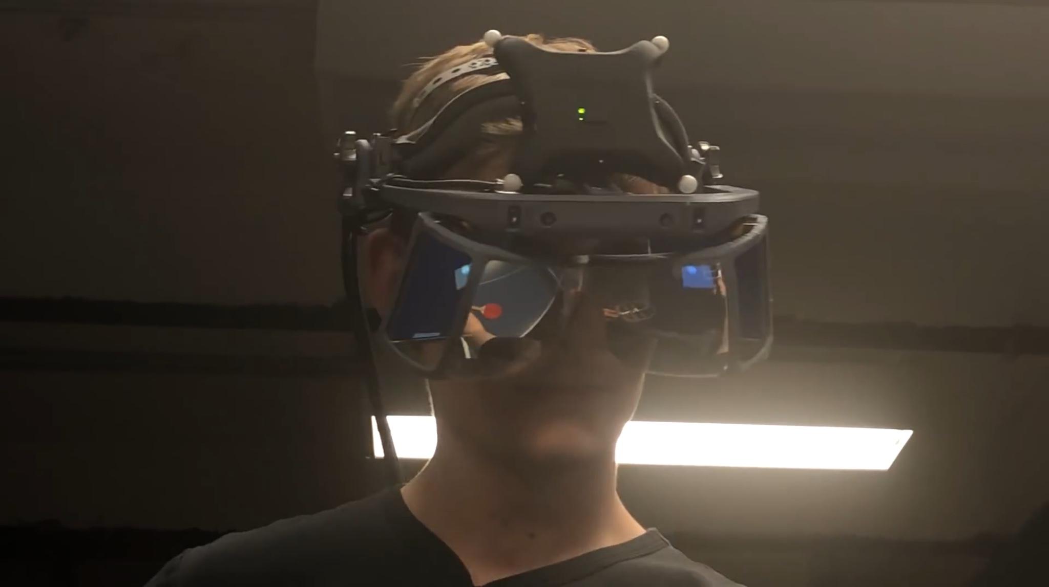 Гарнитура дополненной реальности Leap Motion позволяет играть в пинг-понг с искусственным интеллектом