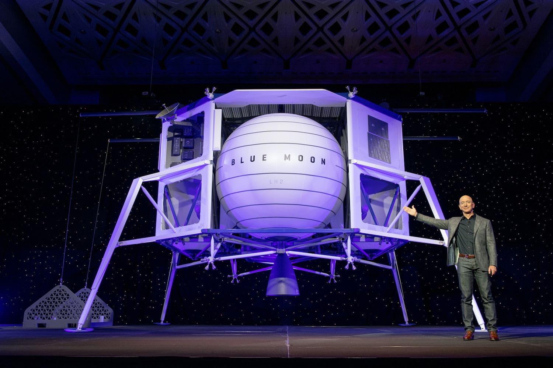 космический аппарат Blue Moon доставит астронавтов на Луну