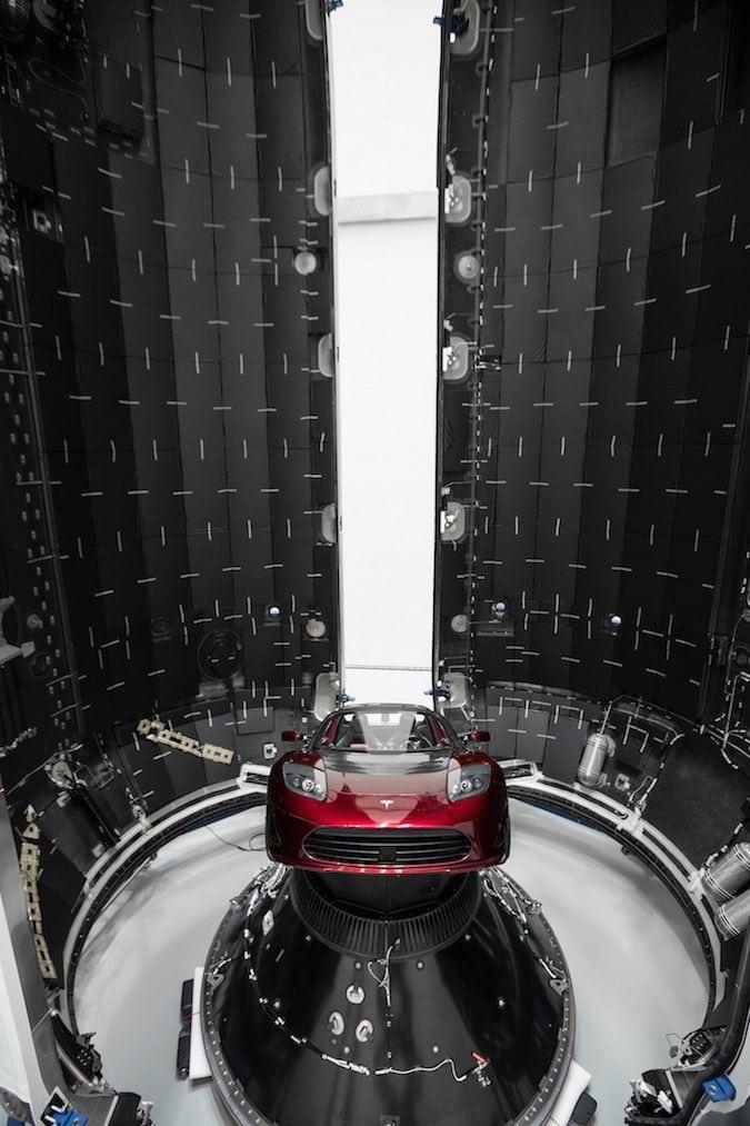 Интернет из космоса: 60 первых спутников Starlink