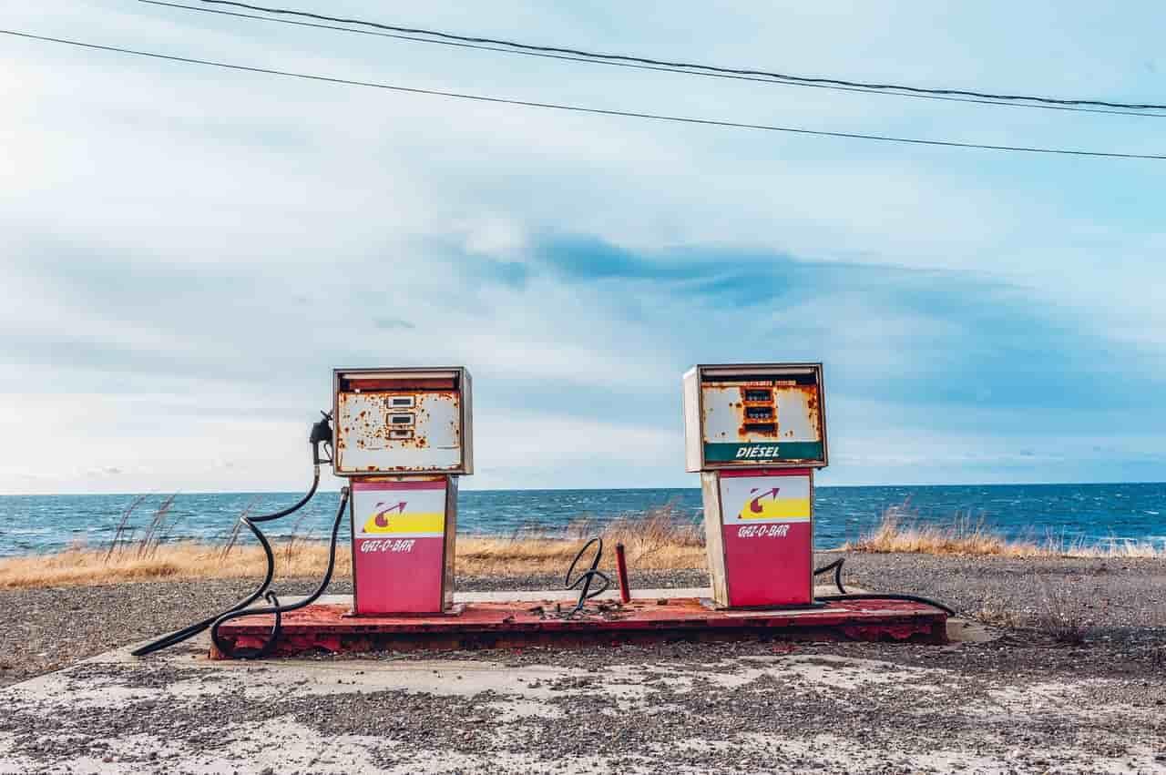 Почему падают цены на нефть?