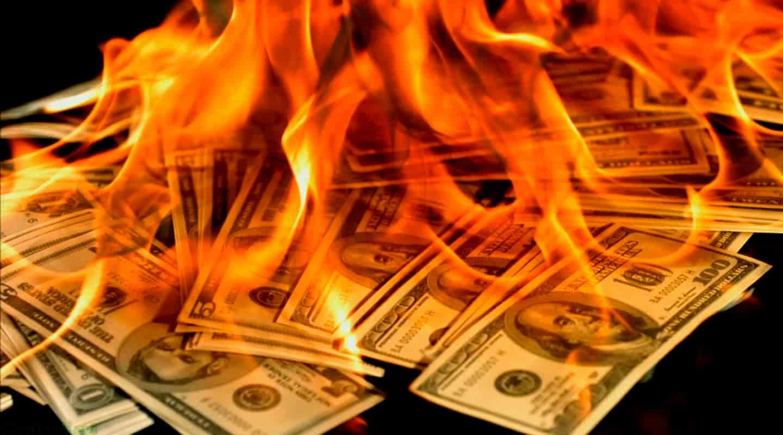 НБУ пытается гасить пожар, сжигая по $150-200 млн в день