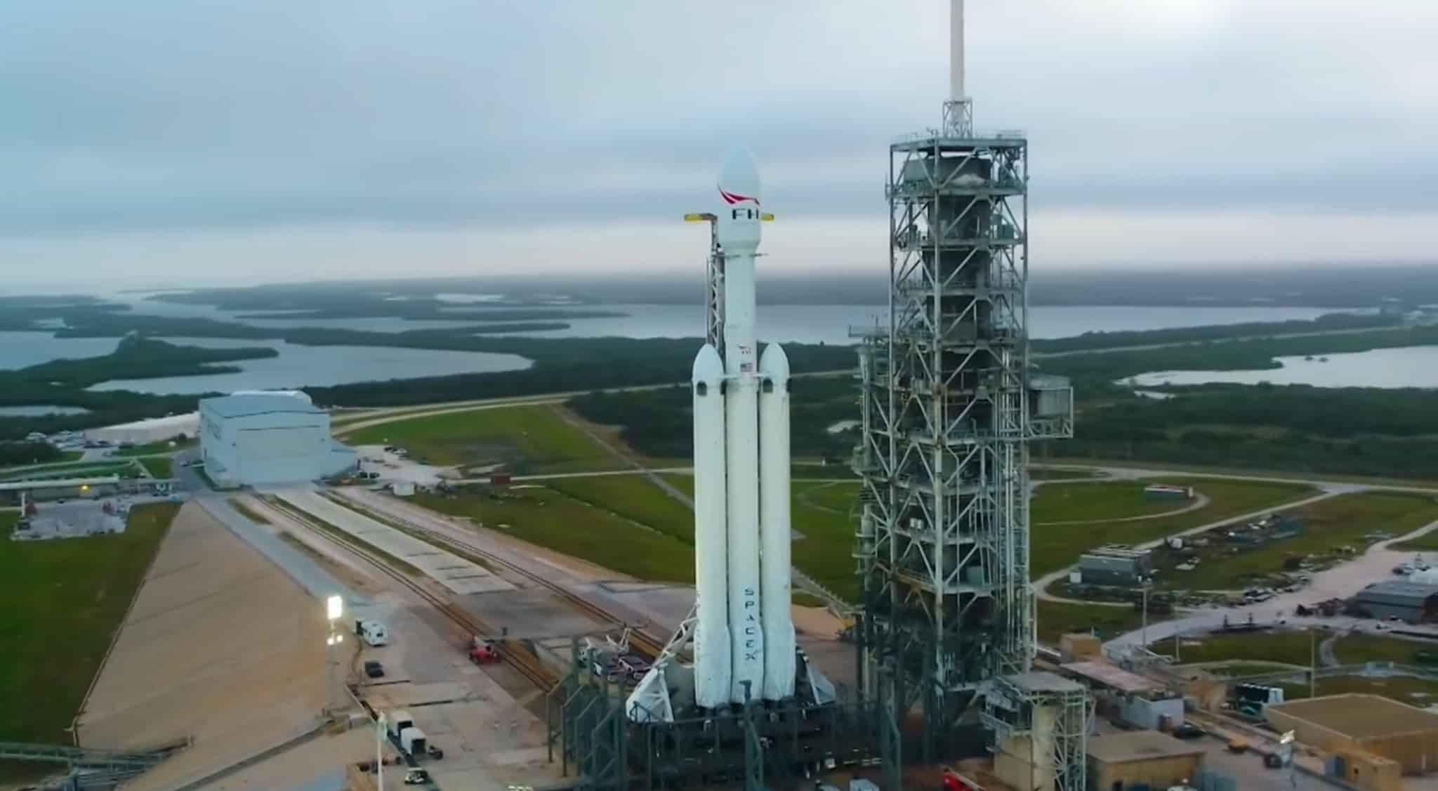 видео запуска Falcon Heavy