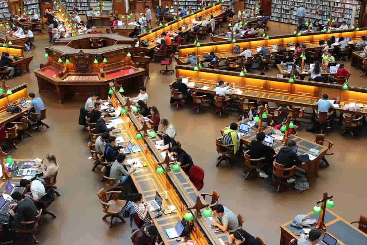 Building 8 Facebook начинает масштабное сотрудничество с 17 университетами